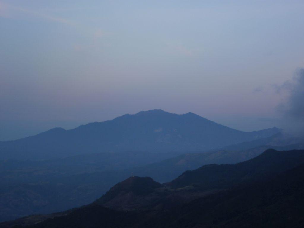 Lost & Found: Volcán Barú during sunrise 1