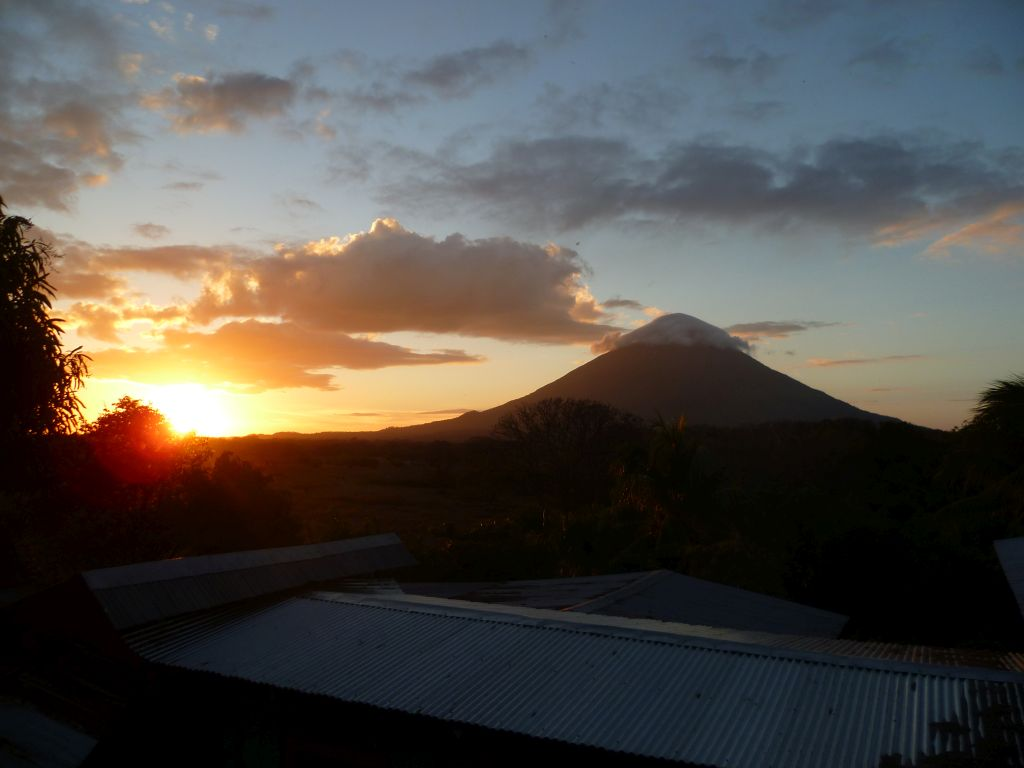 Isla de Ometepe 1: view from Finca Magdalena on volcan Concepción