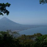 Isla de Ometepe 8: view from volcan Maderas on volcan Concepción