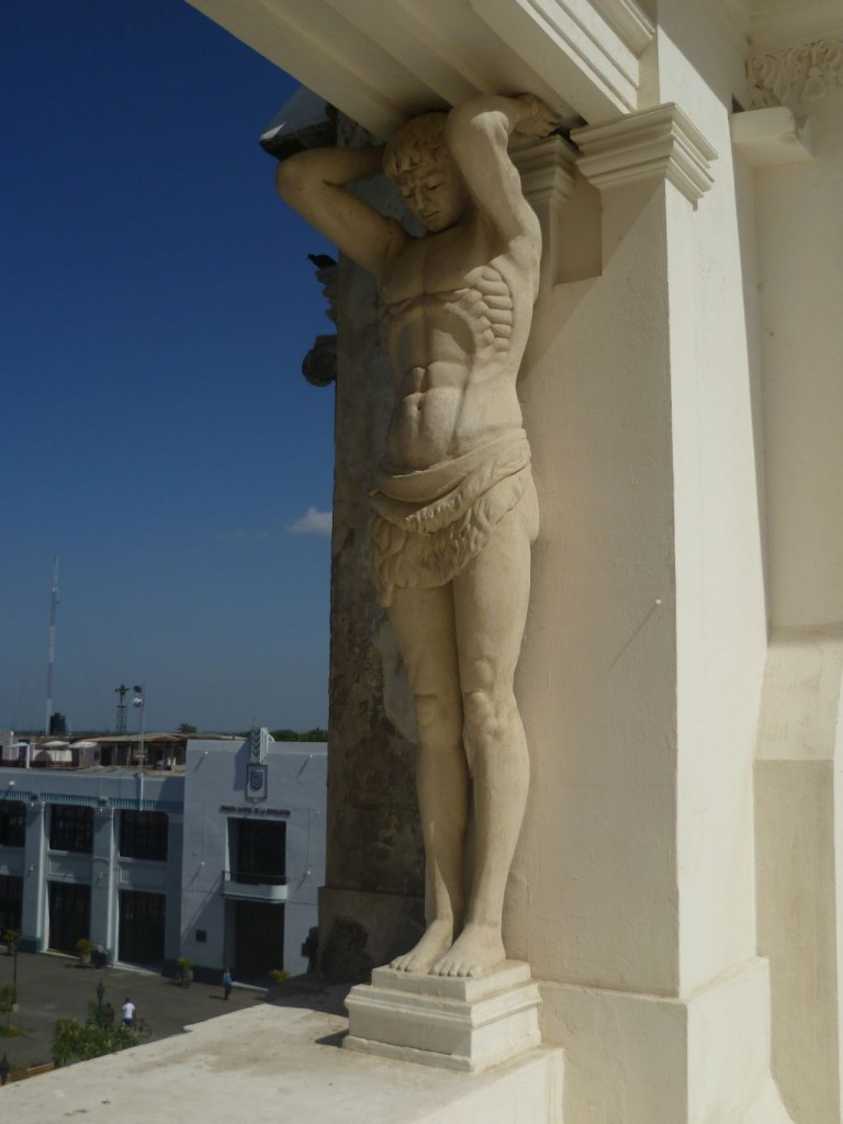 Leon 7: on the roof of the cathedral