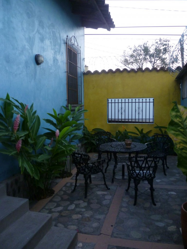 Iguana Azul 4: small terrace
