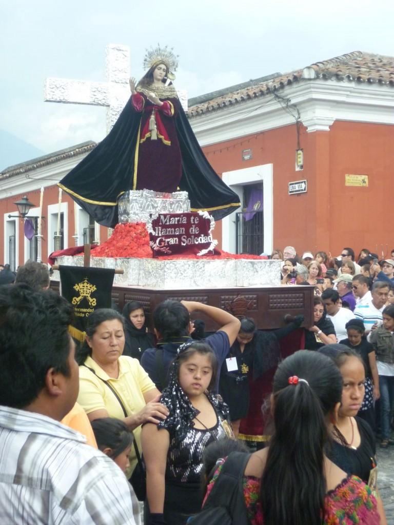 Antigua - Easter Procession, Maria statue