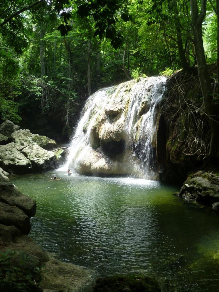 Río Dulce 4: hot waterfall