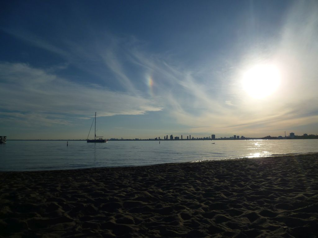 Toronto 6: on the beach of Toronto Island