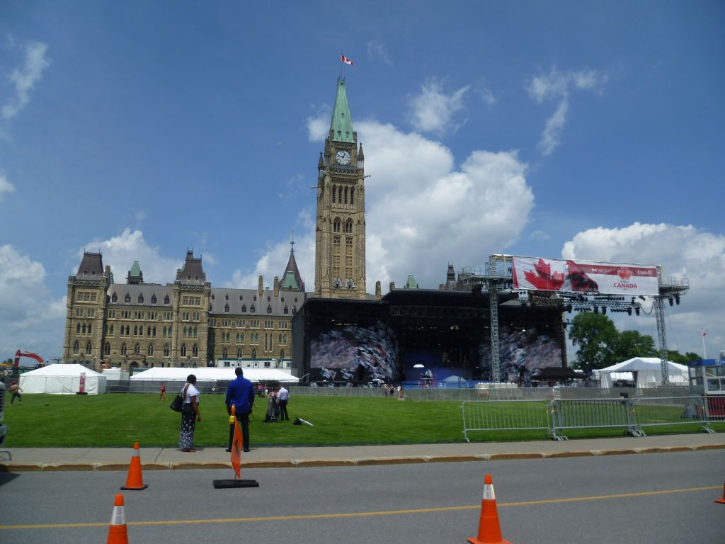 Ottawa 3: the Parliament with the main stage for Canada Day
