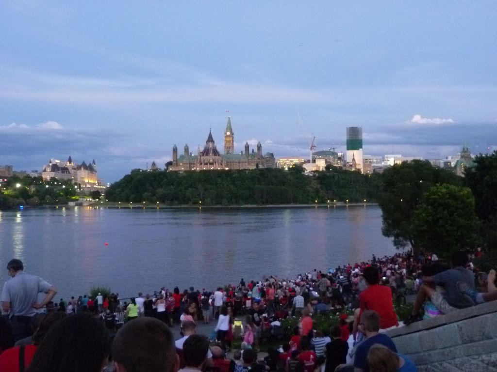 Canada Day 7: view onto the Parliament from the Quebec side