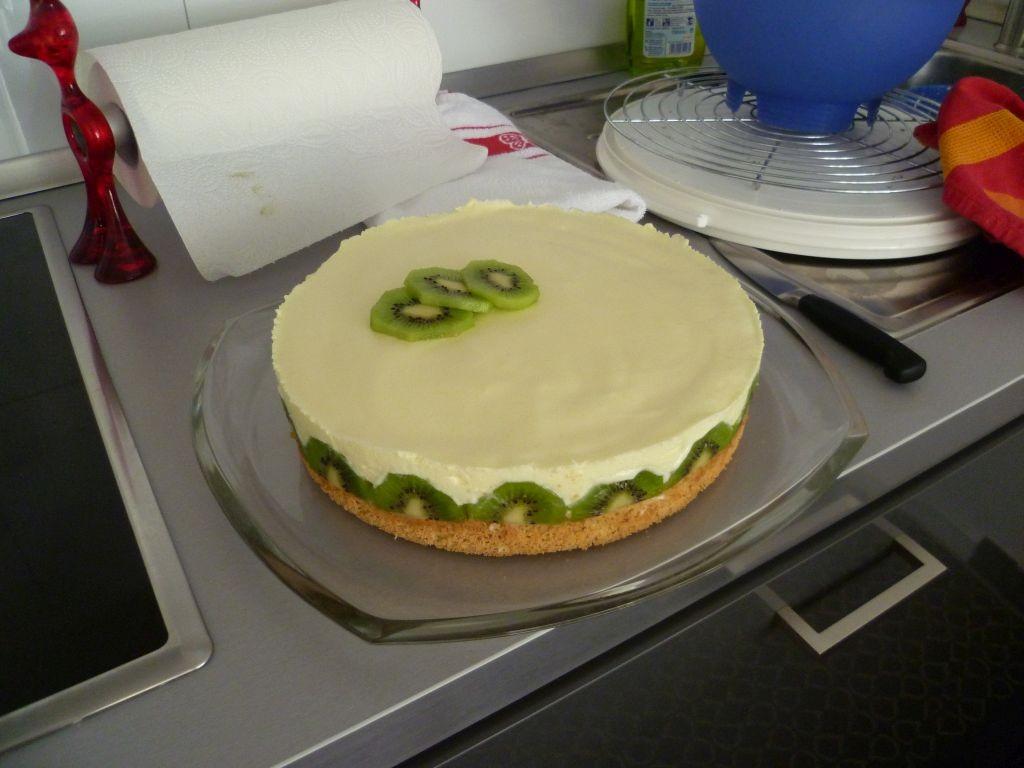 Start of a new job 6: lemon-mousse cake
