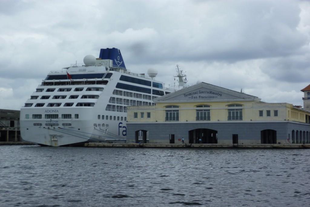 Kreuzfahrtschiff in Havanna