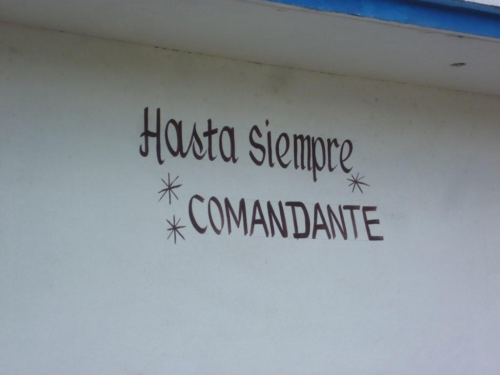 Derartige  Huldigungen sind überall auf Kuba zu finden