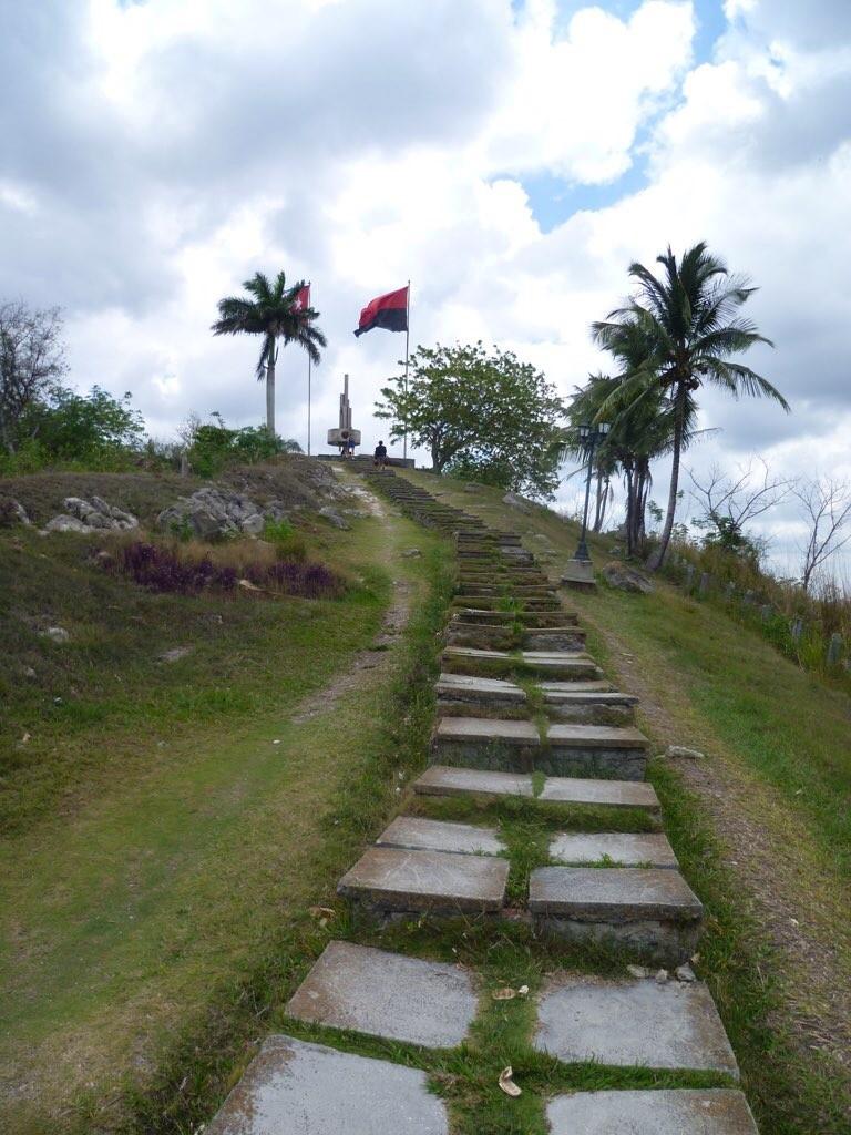 Aufstieg zum Loma del Capiro, von wo aus Ché seine Kameraden lenkte