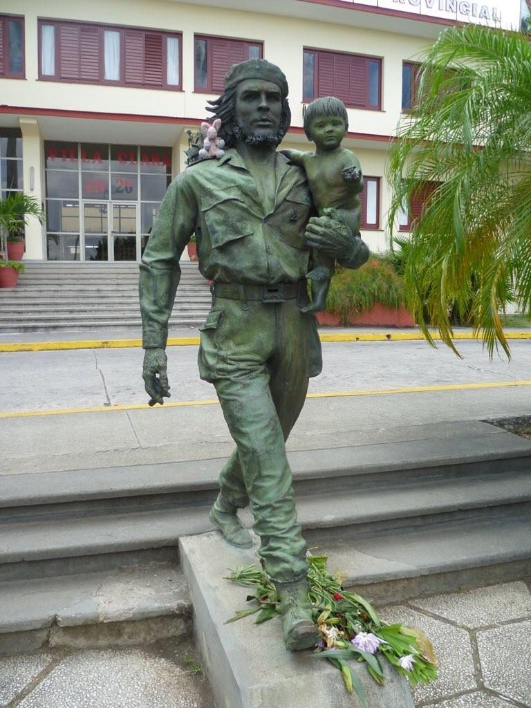 Estatue de Ché con Niño (und Marie)!